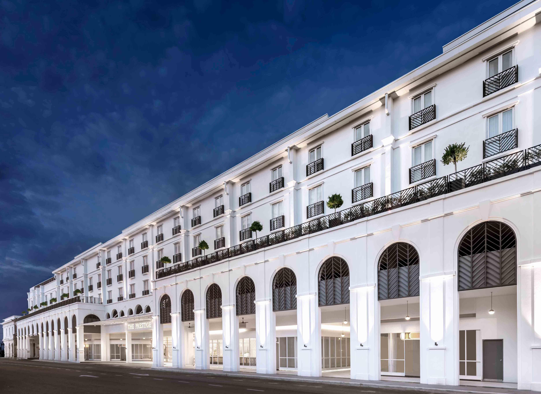 01b_Prestige_HOTEL-FACADE_crop